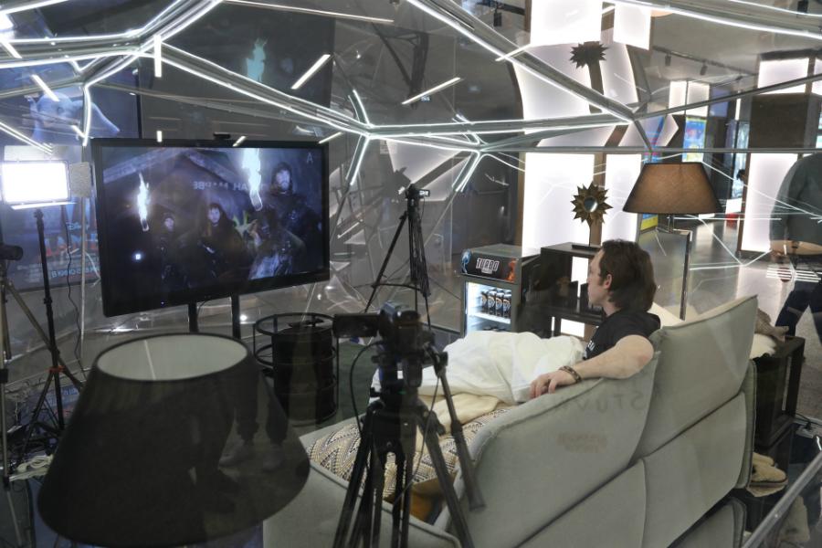 Amediateka заперла зрителя в стеклянном кубе для просмотра «Игры престолов»