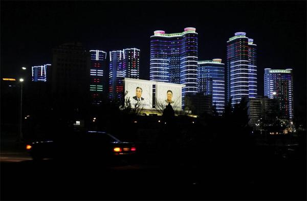 Оттенки серого: Как выглядят города без рекламы