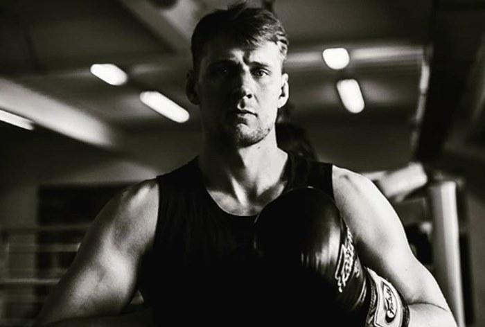 Боец UFC Александр Волков обвинил GQ Russia в попытках заработать на рекламе часов в своем интервью