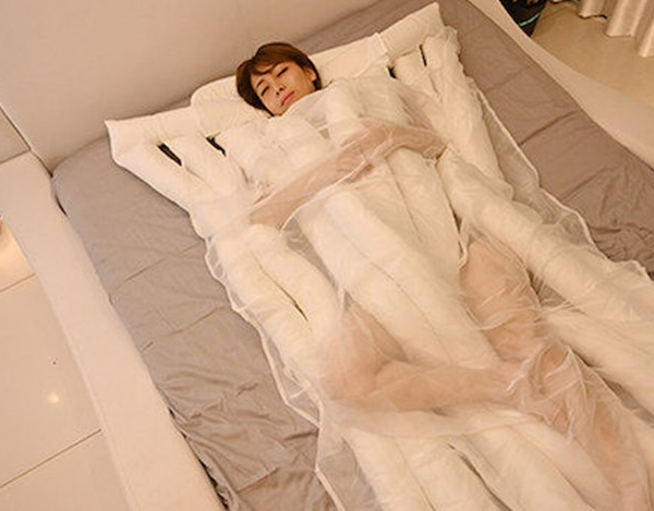 Японцы выпустили «одеяло-лапшу» для комфортного сна